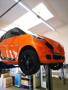 Bilder aus unserer Smart Werkstatt - Smart 451 Effektlackierung orange